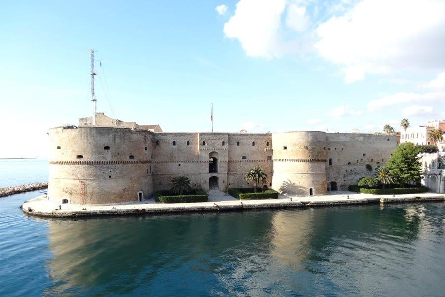 Taranto, Castello aragonese