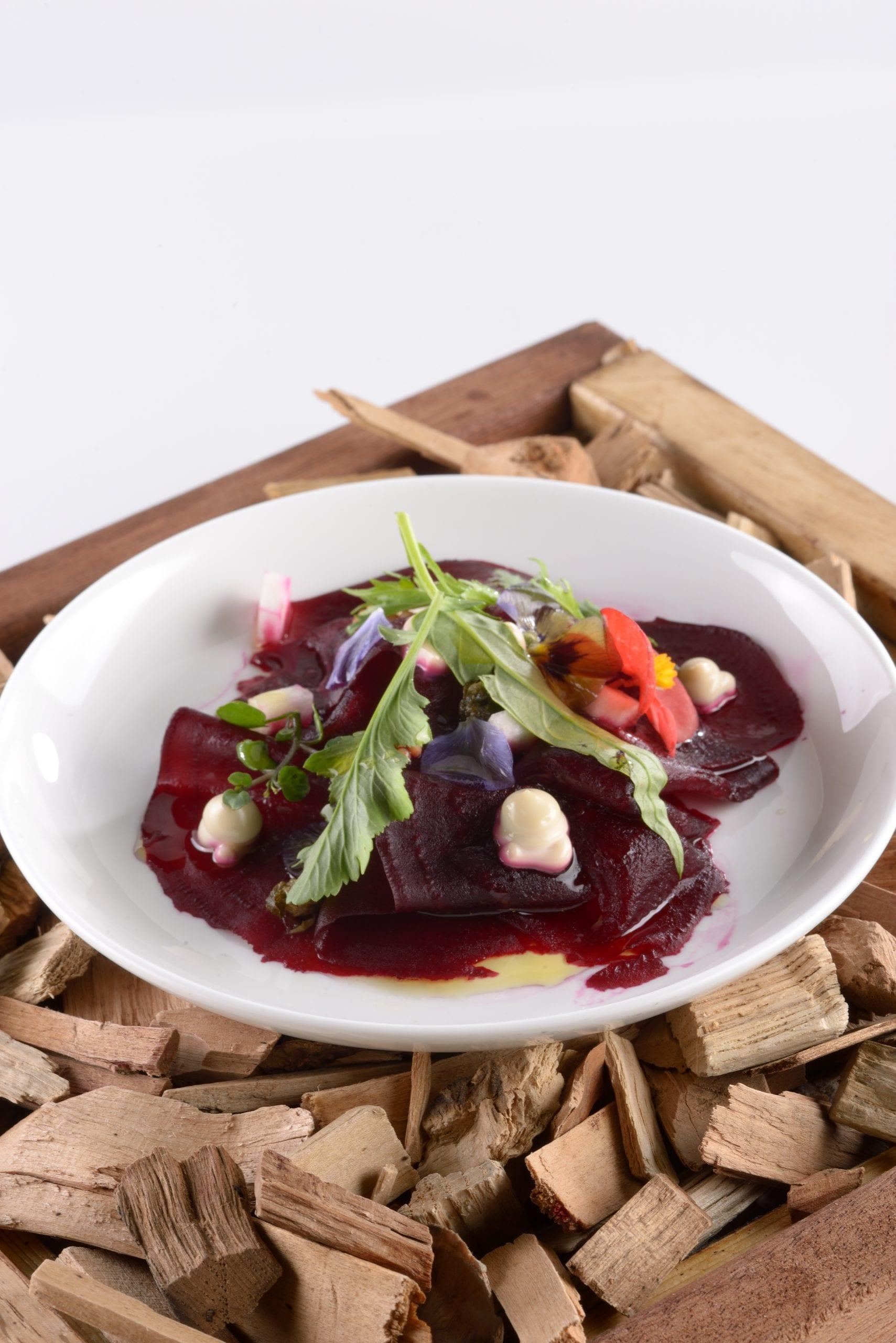 Carpaccio di Barbabietola, maionese vegana, senape e agrumi