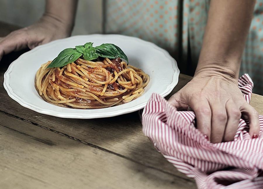 Libri. La cucina di Napoli (con la ricetta del casatiello)