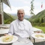 Mario Tinor chef della taverna Pian dei Tass sulle Dolomiti Friulane a Barcis Pn