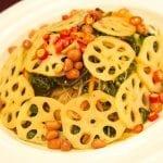 Radici di loto intagliate fagioli spaghetti di soia e peperoncino scottato piatto tipico del Gansu