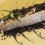 4 Sgombro al nero di seppia su crema di patate silane
