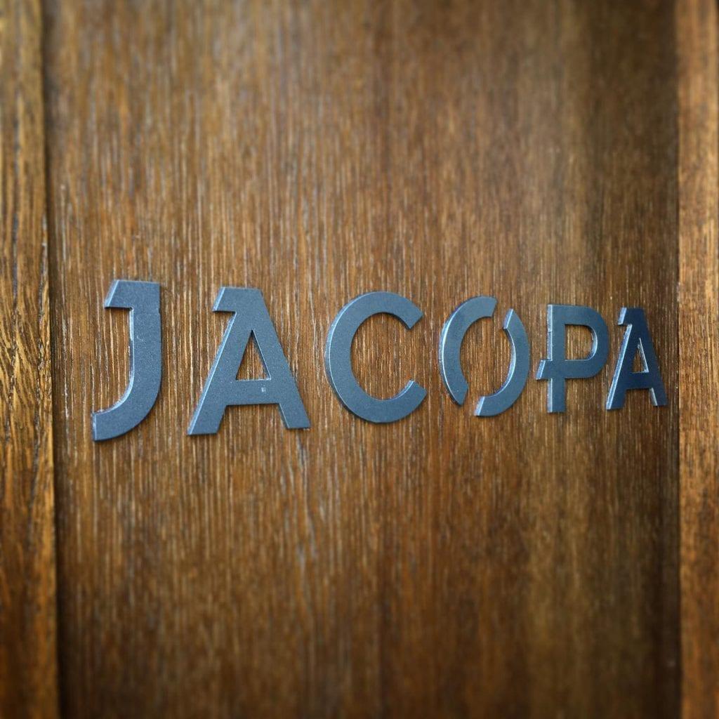 Jacopa, l'insegna