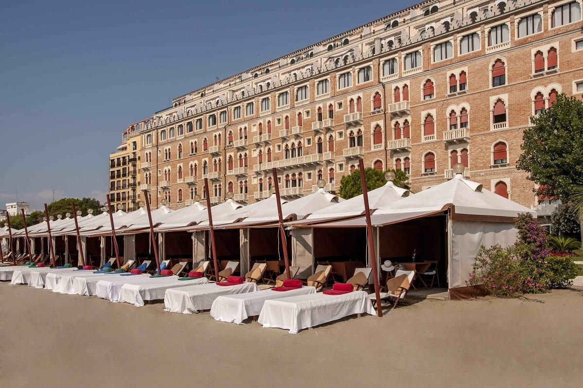 Le capanne all'Hotel Excelsior Lido di Venezia