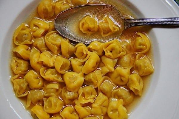 A Bologna mangio bene. Oltre cento ristoranti riuniti per promuovere la gastronomia locale. Guardando al prezzo (senza rinunciare alla qualità)