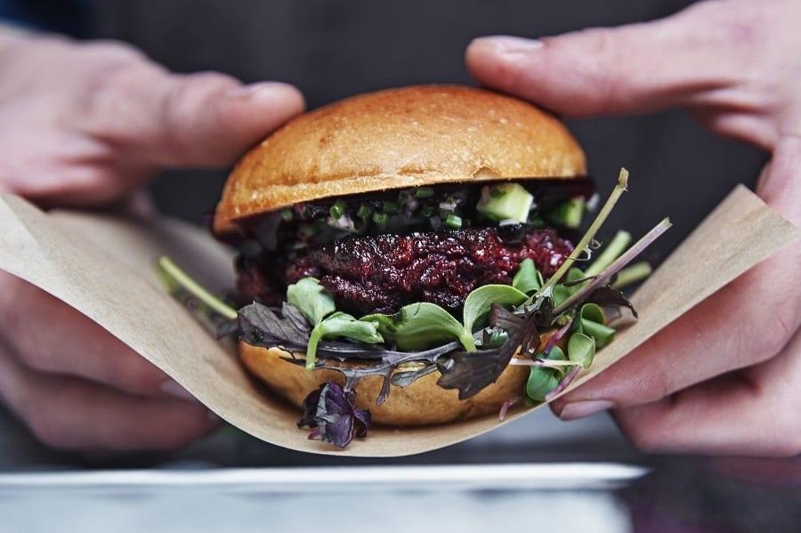 Ikea e il fast food del futuro in 5 piatti innovativi. E gli insetti sostituiscono la carne