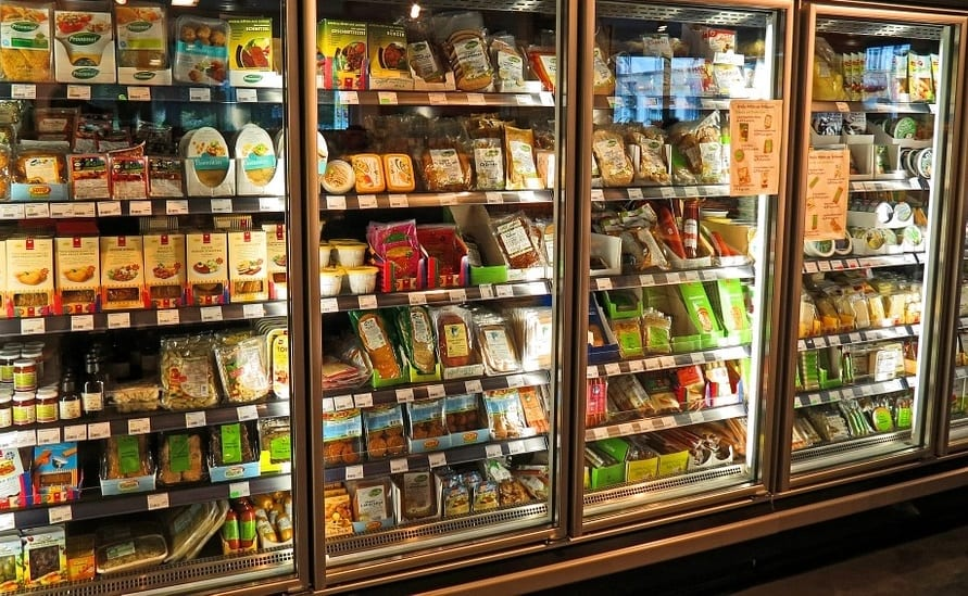 Birra, frutta, gelati? Ecco cosa comprano gli italiani al supermercato d'estate