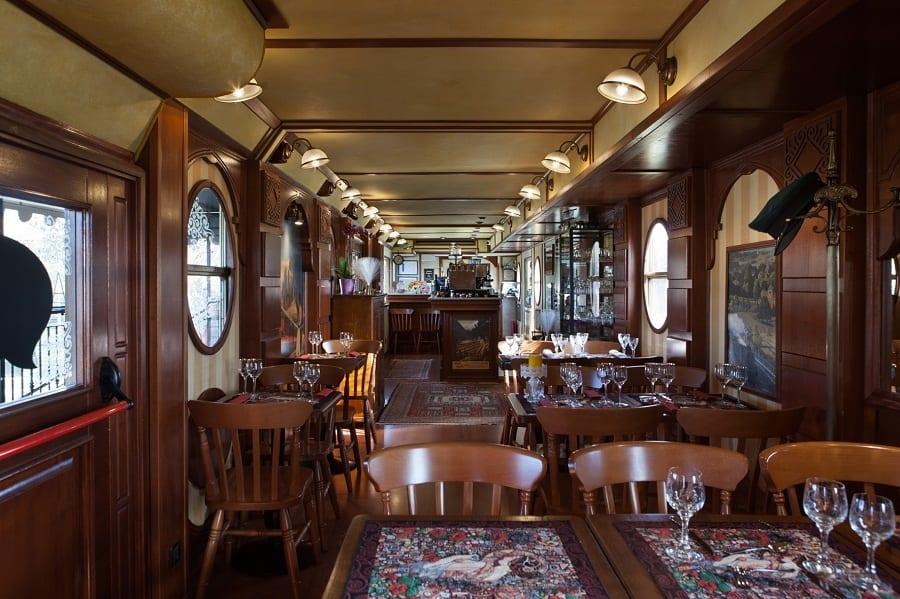 Mangiare insolito a Milano. Il cinema-ristorante all'Anteo e il bistrot sul treno di FuoriBinario
