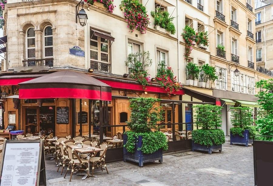 I bistrot di Parigi siano patrimonio Unesco. La Francia si appella al simbolo dell'esprit de vivre