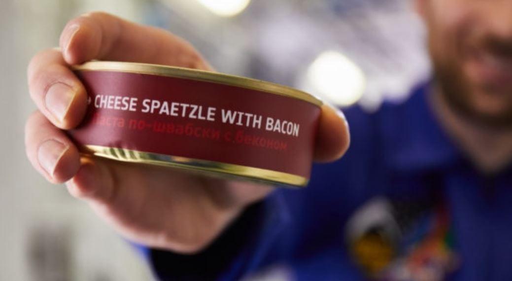 Mangiare in aereo. Le ultime idee dalla ristorazione di bordo: come gli astronauti sui voli Lufthansa, la fattoria all'avanguardia di Emirates