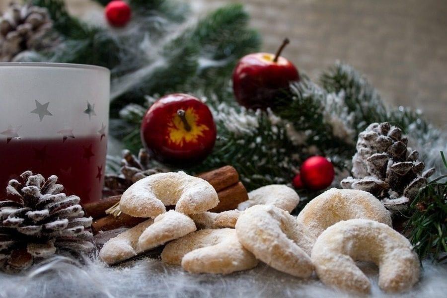 Vin brulé nel mondo: storia, varianti e ricetta del vino caldo di Natale