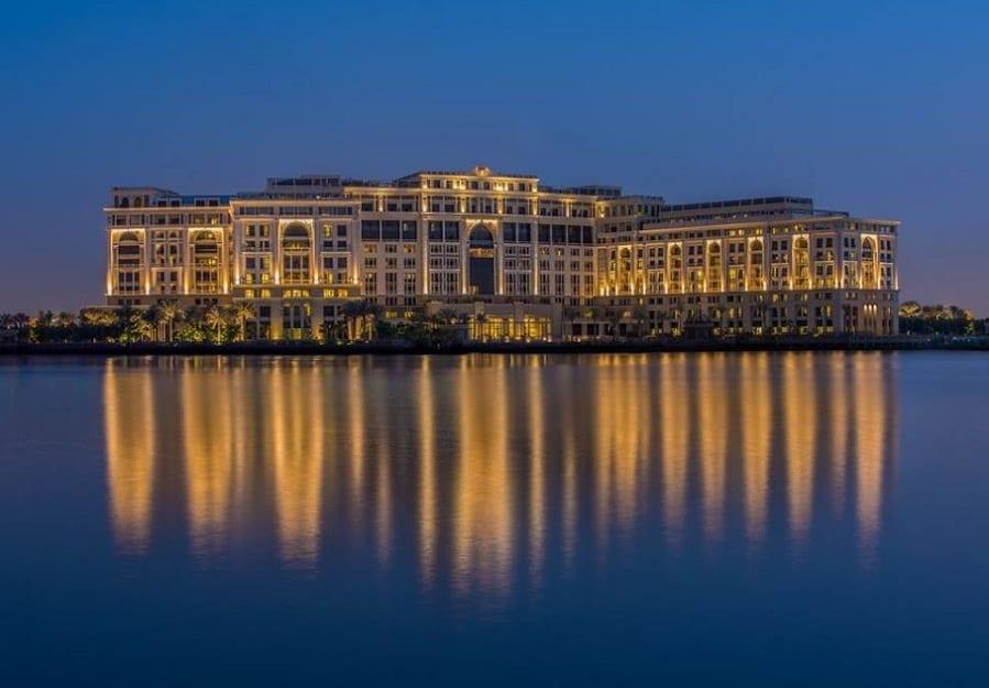 Quique Dacosta a Dubai. Il pop up dello chef spagnolo a Palazzo Versace, con Enigma