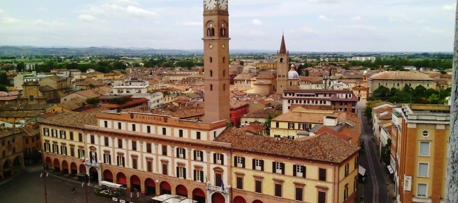 Benso a Forlì. Cibo e miscelazione per la  Pubblica Ristorazione nel parco della città. Con Pier Giorgio Parini