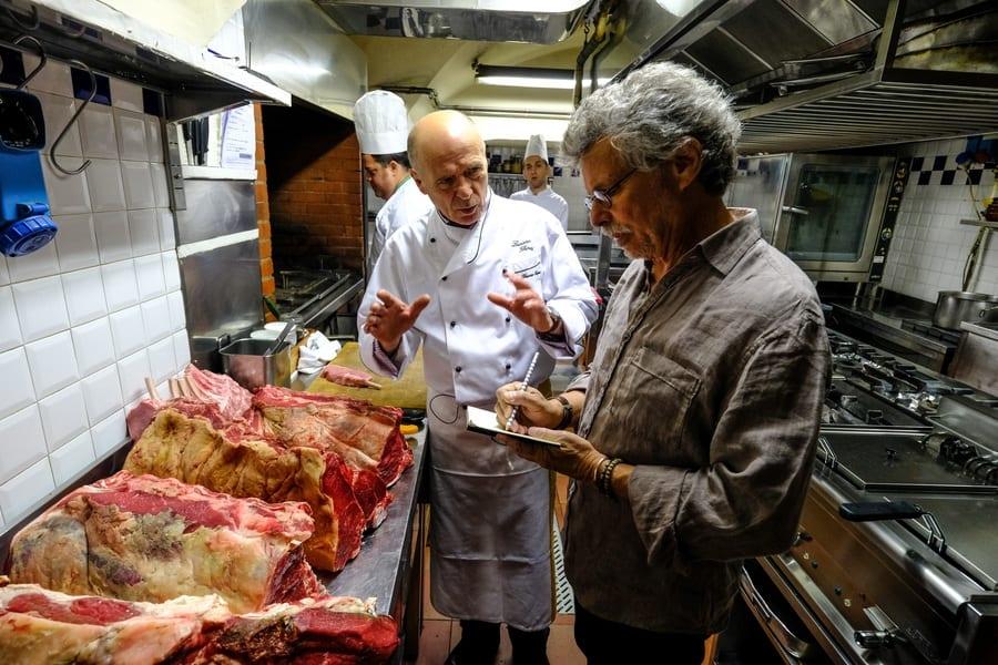 Steven Raichlen Grills Italy. Ultima puntata: bistecca alla fiorentina