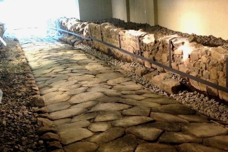 Un sito archeologico sotto al McDonald's. Così nasce il primo fast food-museo a Roma