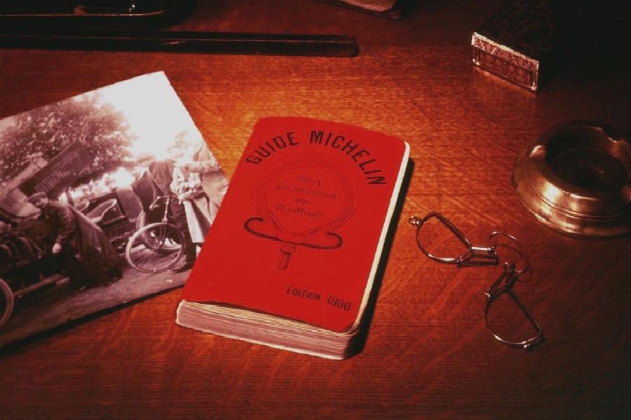 La Michelin diventa pezzo da collezione: all'asta le edizioni pubblicate tra il 1900 e il 2016