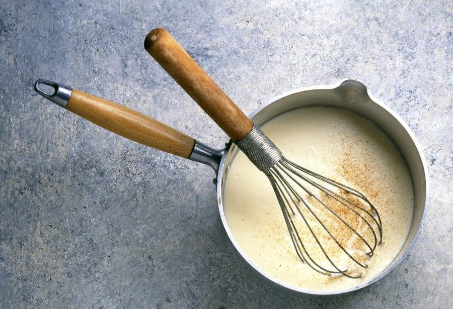 Cucina di casa. Le salse: Besciamella, Salsa béarnaise, Pearà e Salsa verde