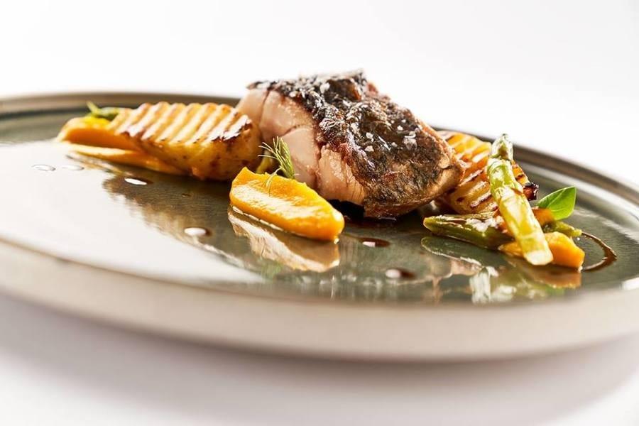 Dove mangiano gli chef in vacanza. I ristorante del cuore di Mario Sposito e Matteo Metullio