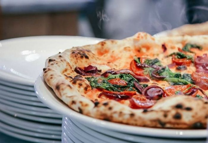 Festa in Piazza a Salina. Nelle Eolie l'evento della pizza per celebrare il primo compleanno di Franco Manca