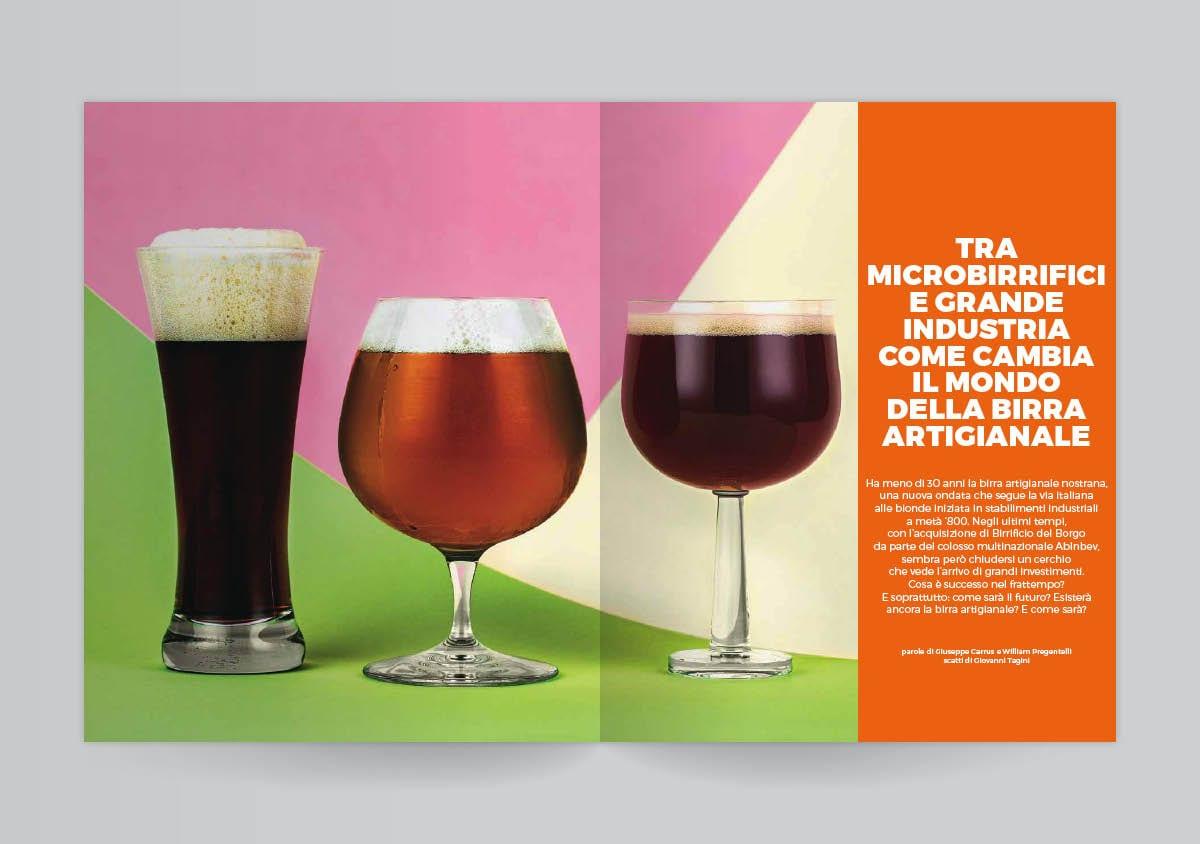 Due pagine aperte del mensile di luglio del Gambero Rosso, con tre bicchieri di birra