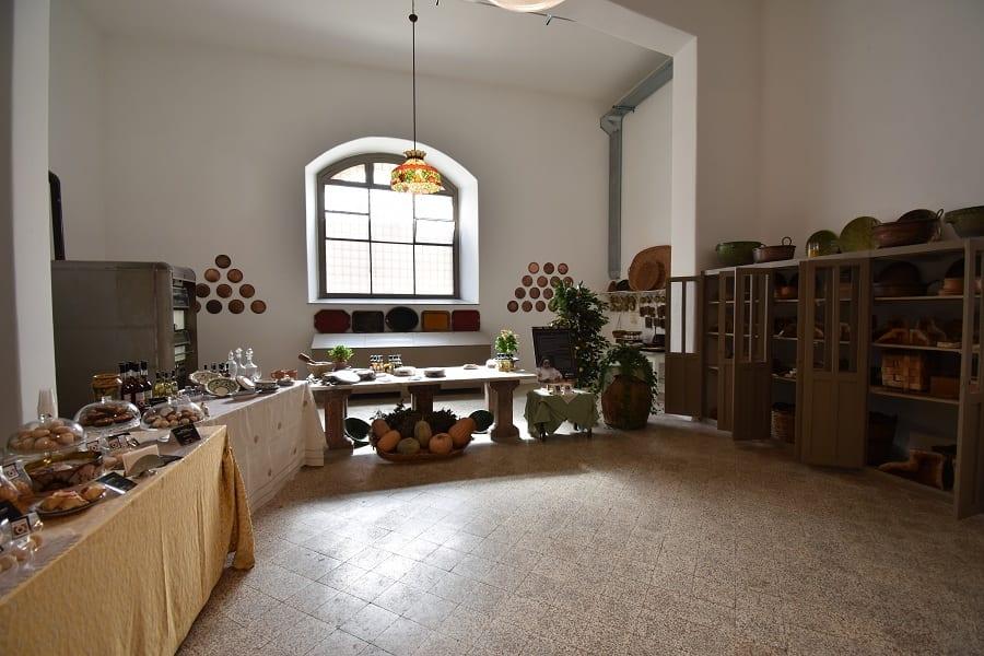 il laboratorio di pasticceria nel convento di Santa Caterina a Palermo