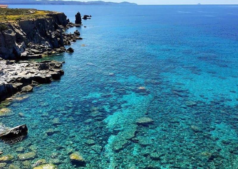 Vista sul mare dell'Isola di San Pietro, Sardegna