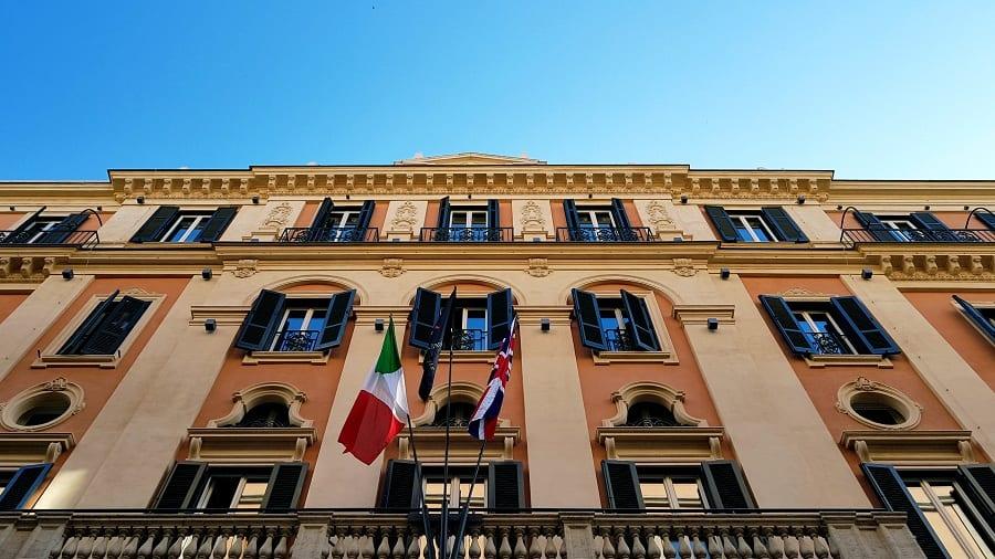 la facciata dell'Hotel de la Ville
